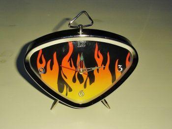 Vintage Wecker  - Flammen