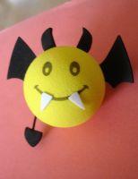 Antennenball-Vampir Fledermaus / gelb