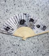 Compartments / Hand fans - White / black flowers