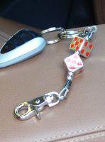Schlüsselanhänger - Chrome Würfel mit roten Herzen